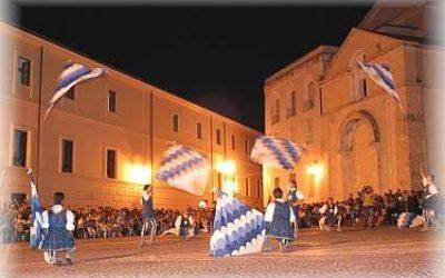 Presentazione nuove bandiere dei Canneti. Sabato 25 maggio a Porta Nuova per Il Bianco e l'Azzurro